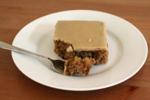 oatmeal-cake-with-caramel-icing-03